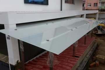 Dach szklany na podporach